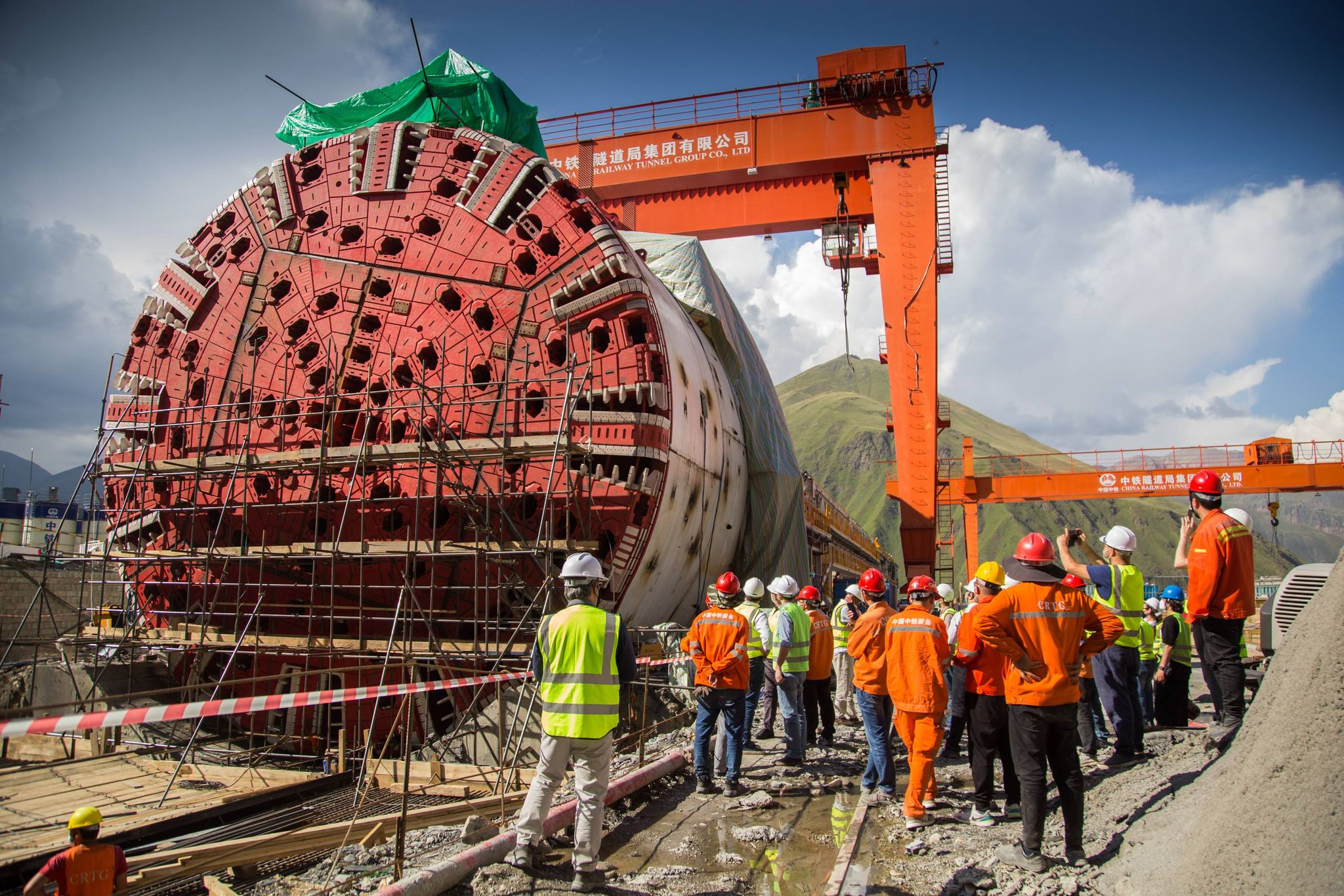 Test run of the tunnel boring machine (TBM) of the 9 km long Kvesheti-Kobi tunnel was successfully completed